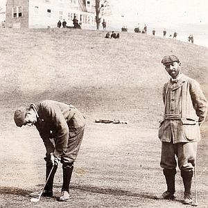 Walter Travis (right) and  Vardon at Oakland